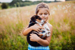 למה הכלב שלי רועד? 6 סיבות שכיחות לרעידות